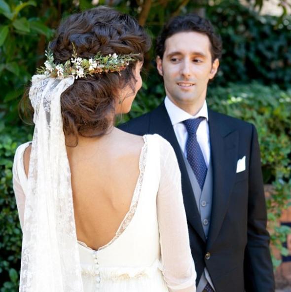 Peinados con velo y tocado para novias