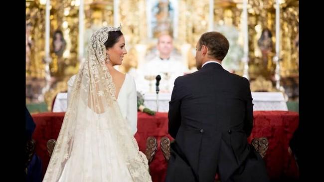 Vestidos de novia con encaje y bordado