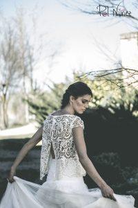 Vestido de novia en dos piezas falda de tu y cuerpo en guipour.