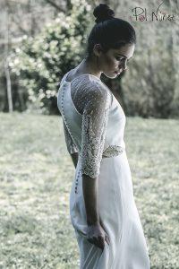 Vestido de novia halter con detalles en tul de plumeti bordado