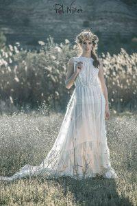Vestido de novia vintage en seda natural bordada